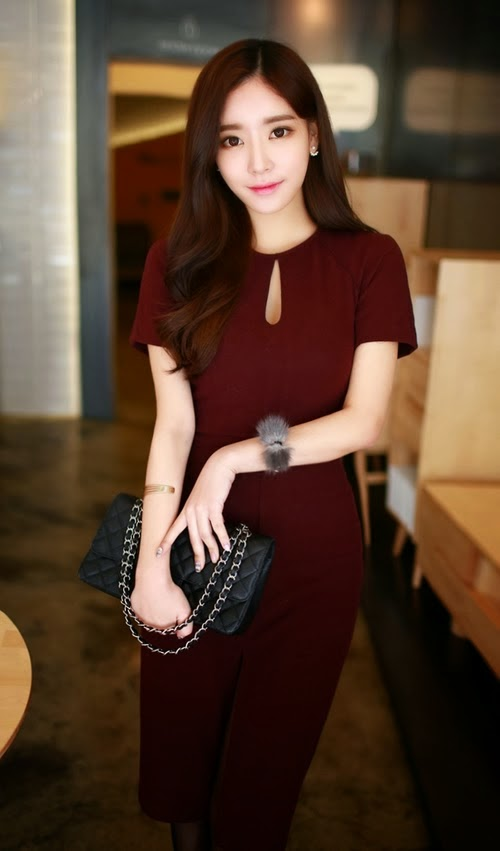 Keyhole Dress with Front Slit by Chuu