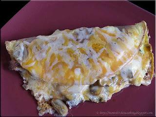 mushroom bacon omelet