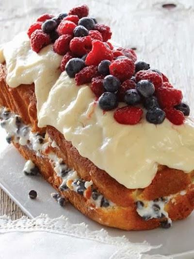Meyveli ve pudingli baton kek