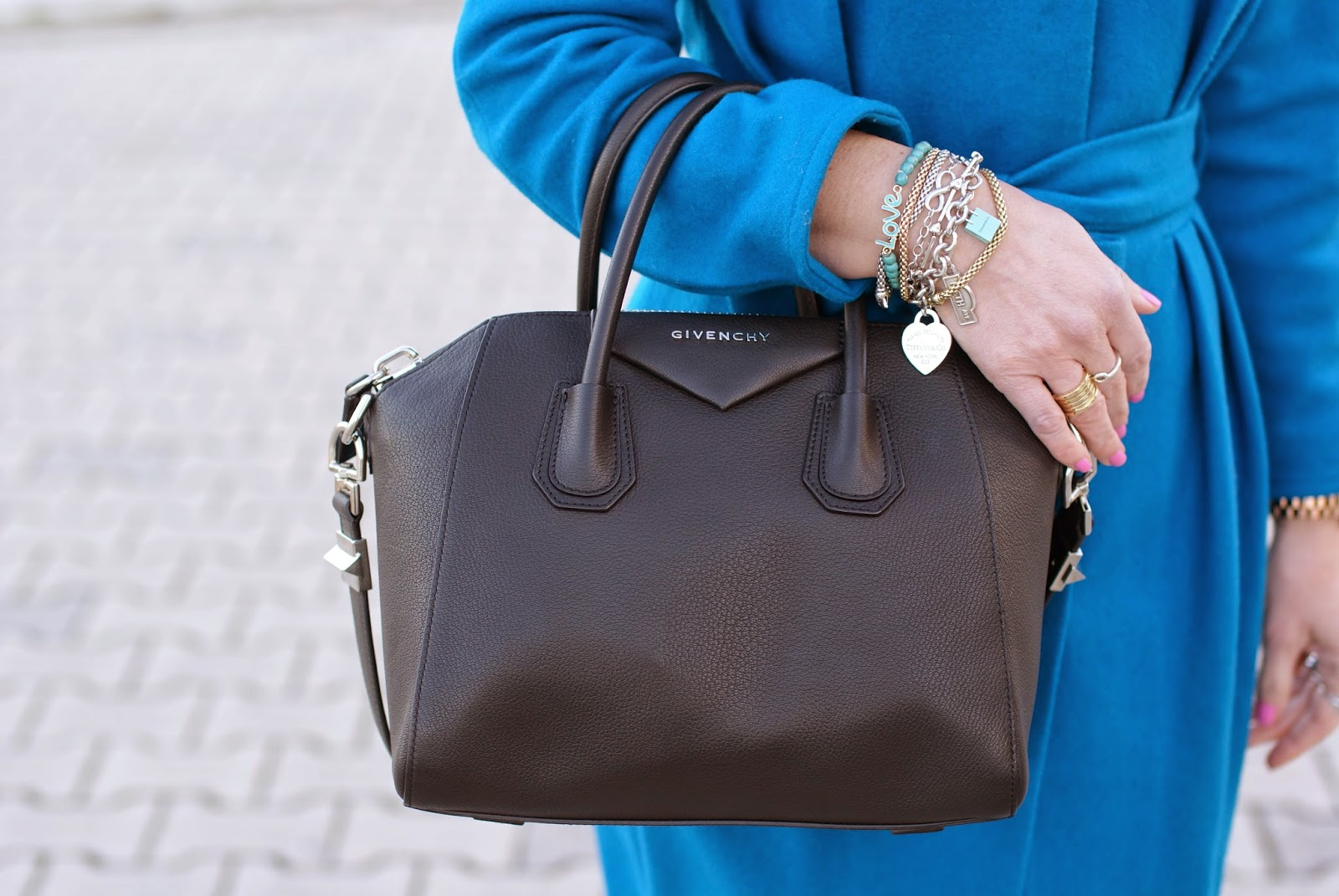 Givenchy Antigona bag, Antigona black small bag, Fashion and Cookies, fashion blogger