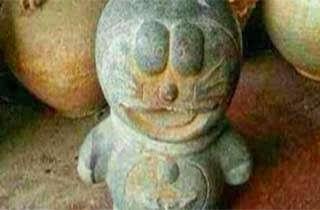Patung Purba Mirip Doraemon Ditemukan