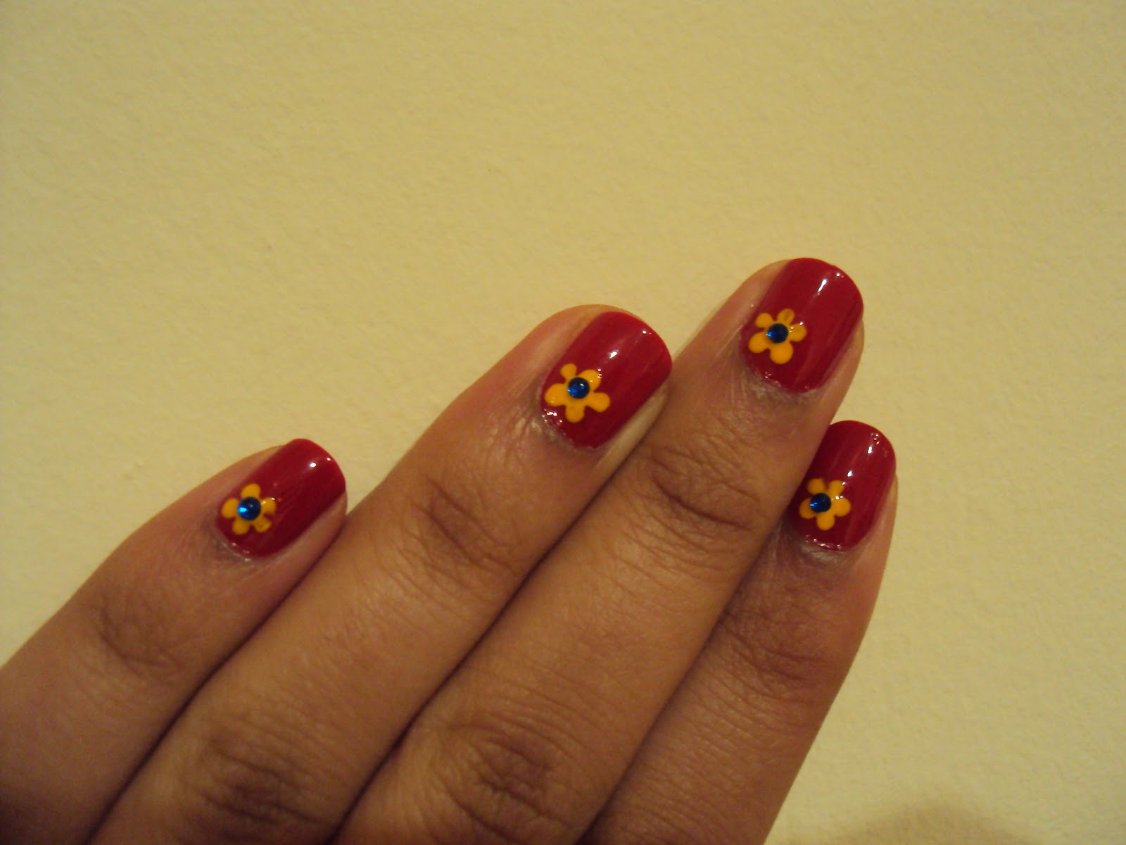 Primary Coloured Flowers | Nail Art by Lena