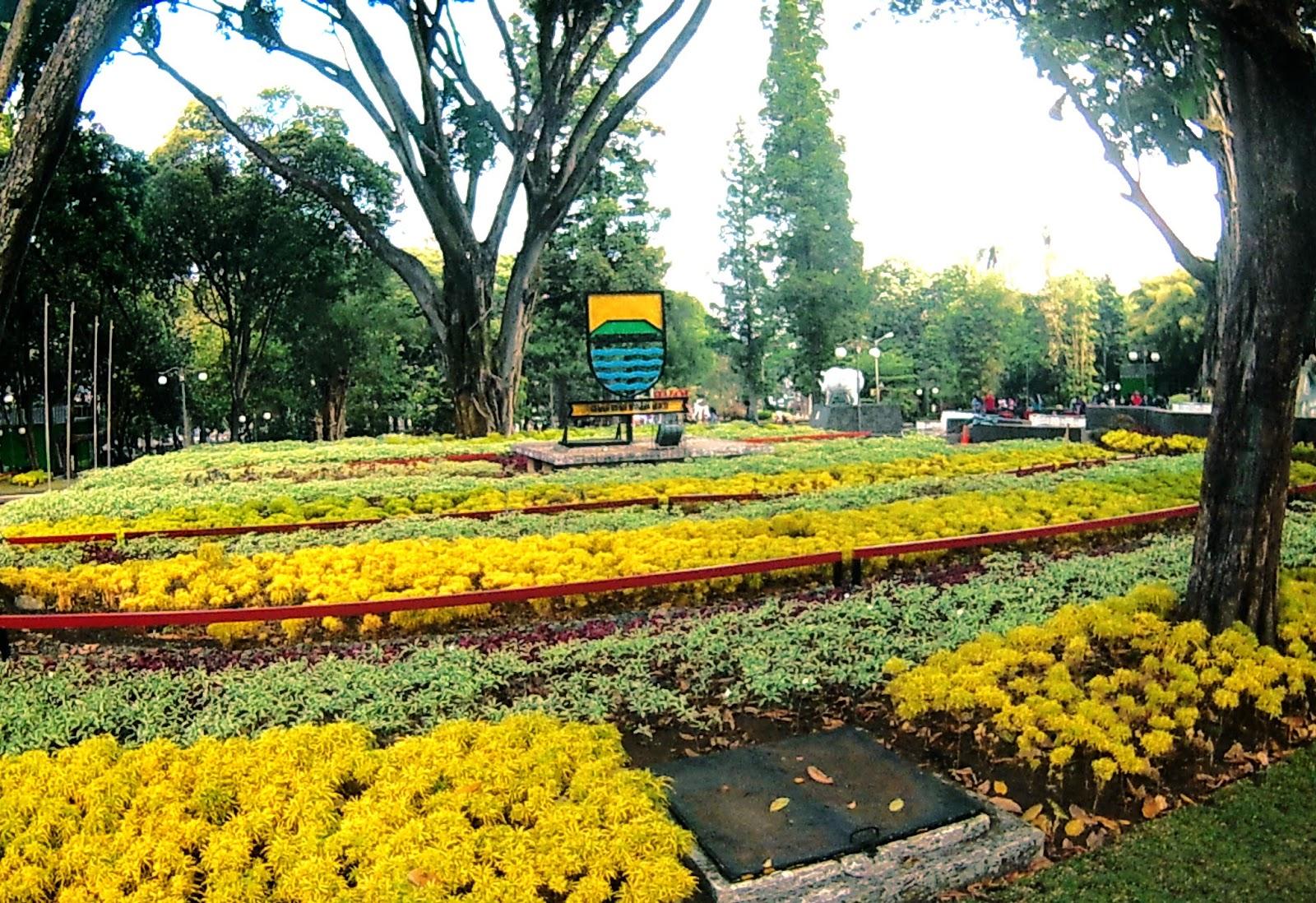 Tempat Cocok Berakhir Pekan Di Taman Balai Kota Bandung Www