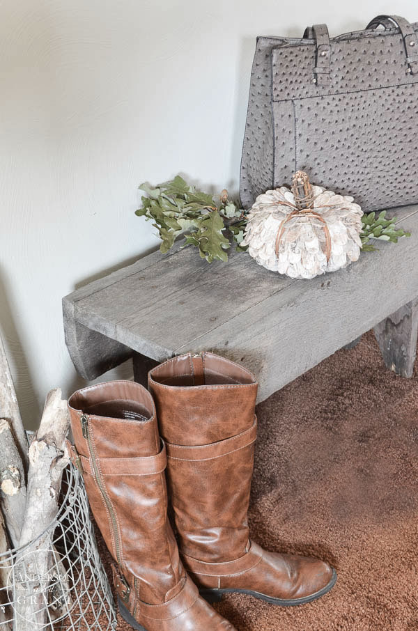 Entryway decorated for fall.  ||  www.andersonandgrant.com