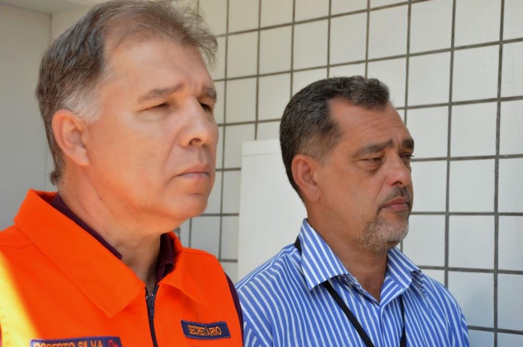 Secretários de Segurança Pública, Marcos Antonio da Luz, e de Defesa Civil, cel. Roberto Silva, na cerimônia de um ano do destacamento