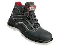 sepatu-boots-mountain