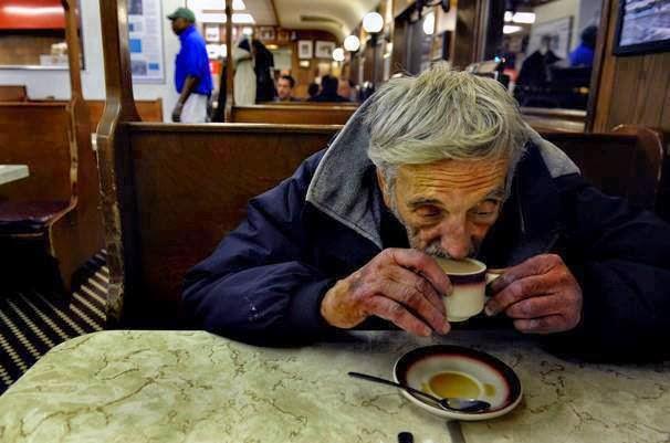 O café pendente