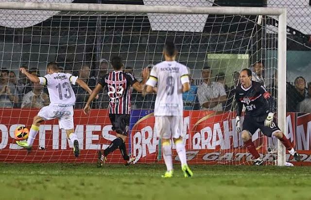 Léo marca contra São Paulo