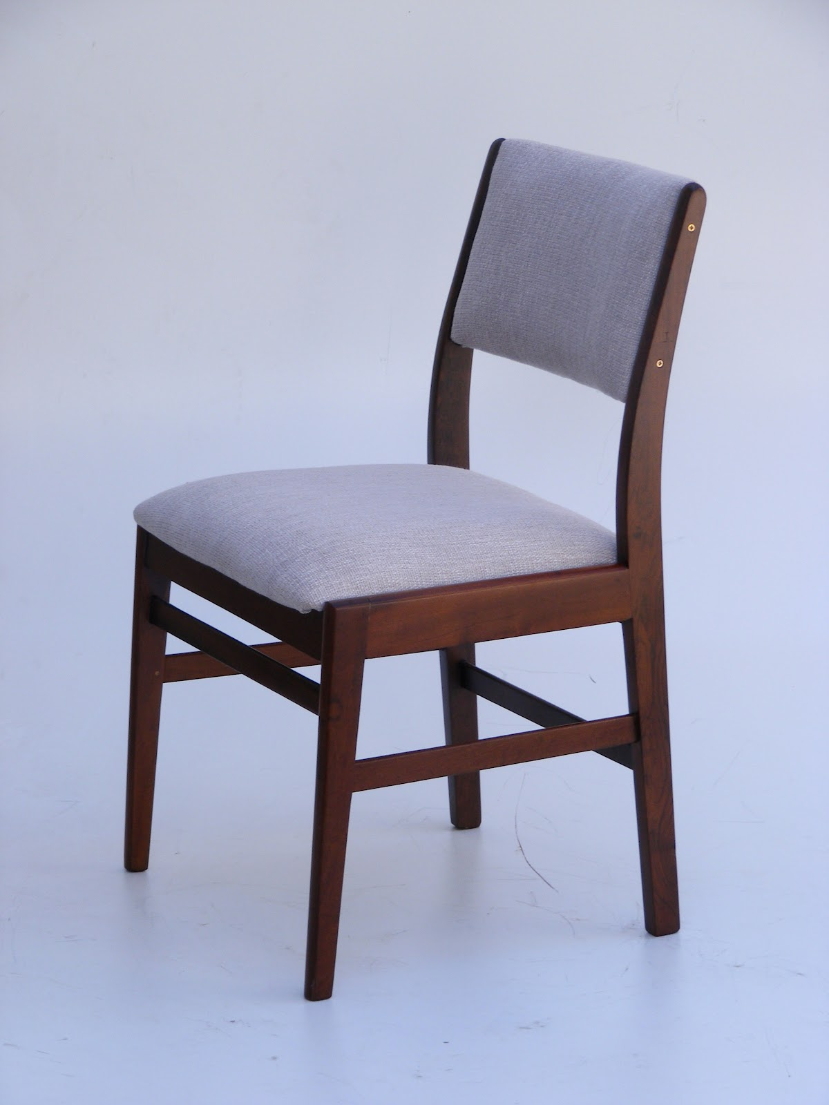 Vamp furniture new revamped vintage furniture stock at for Grey single chair