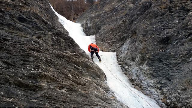 ice climbing cascate di ghiaccio valle varaita