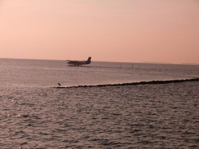 Samolet-Maldivi