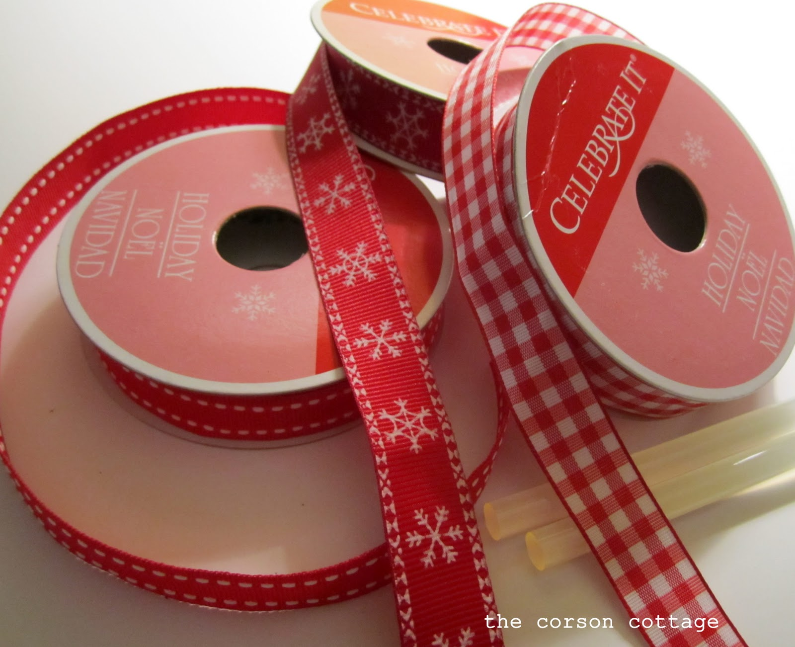 The corson cottage diy ribbon christmas tree art for Red ribbon around tree