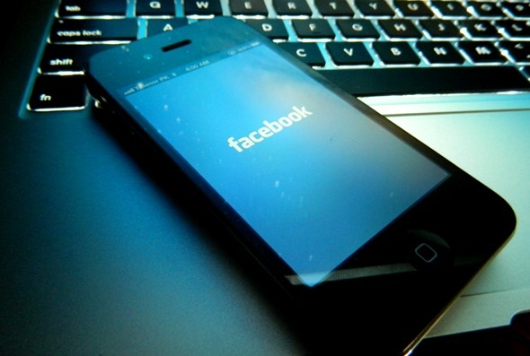 Facebook+identity+at+risk+on+Android+-+iOS+jailbroken+devices