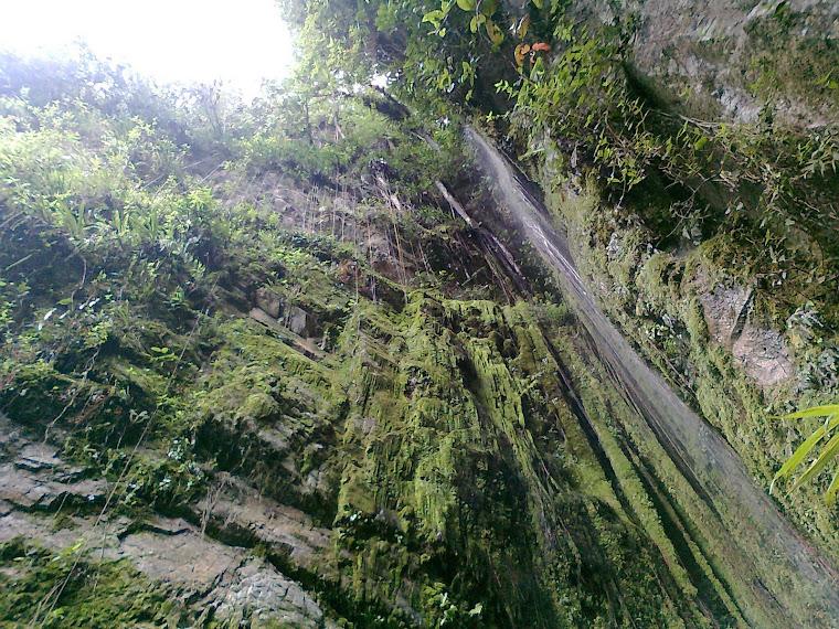 Cascada Hilos De color