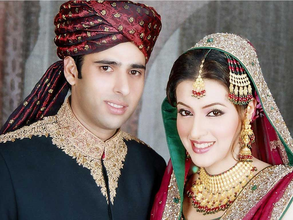 http://3.bp.blogspot.com/-UTlosAtkUi4/T0AT5wyUx_I/AAAAAAAAAEw/ZOqwnv_hl1c/s1600/pakistani-couple-bride-dulha-dulhan-groom-wallpaper.jpg