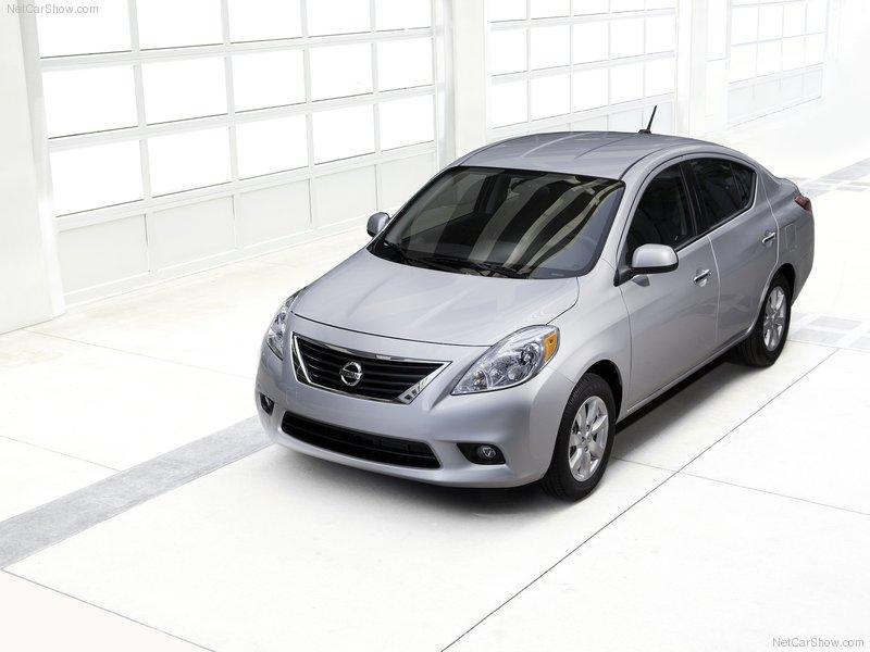 2011 Nissan Versa compact Sedan