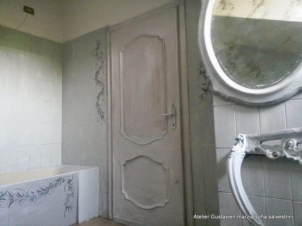 Il bagno si trasforma solo con il colore shabby chalk decorlandia light prima puntata - Bagno sporco di cacca ...