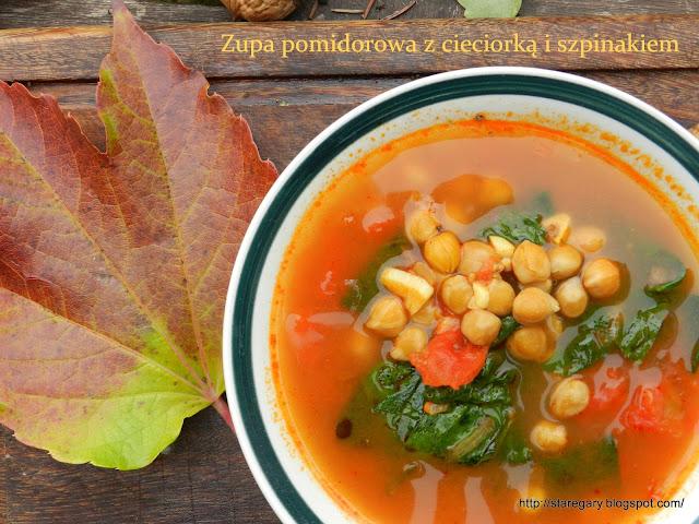 Zupa pomidorowa z cieciorką i szpinakiem