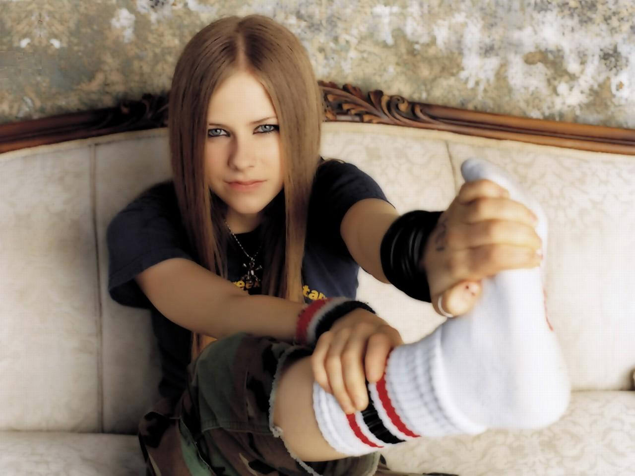 Avril lavigne hot pictures photo gallery wallpapers avril lavigne voltagebd Choice Image