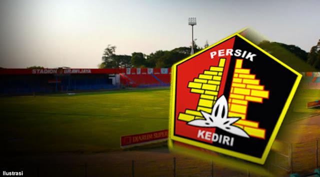 Madiun-Putra-vs-Persik-Divisi-Utama-Indonesia-2013