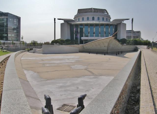 Nemzeti Színház, Budapest, szárazság, tó, kiszáradás, sórolás, vízhiány