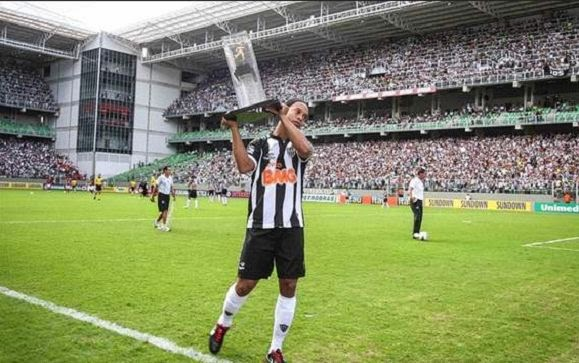Ronaldinho the best player Latin America in 2013