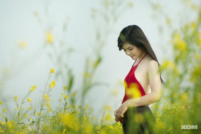 Girl xinh với áo yếm xưa bên hồ sen Phấn 1 20
