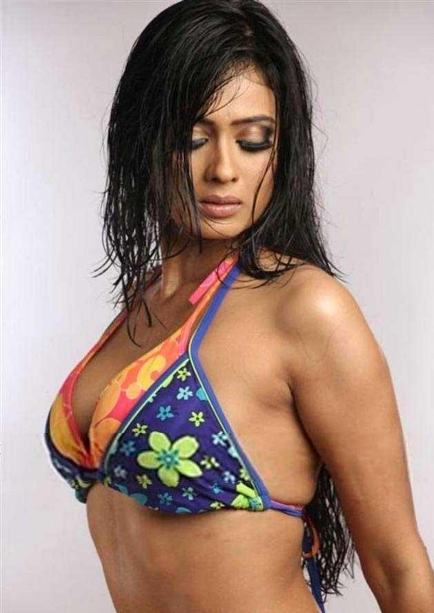 nude pics of juhi chawla
