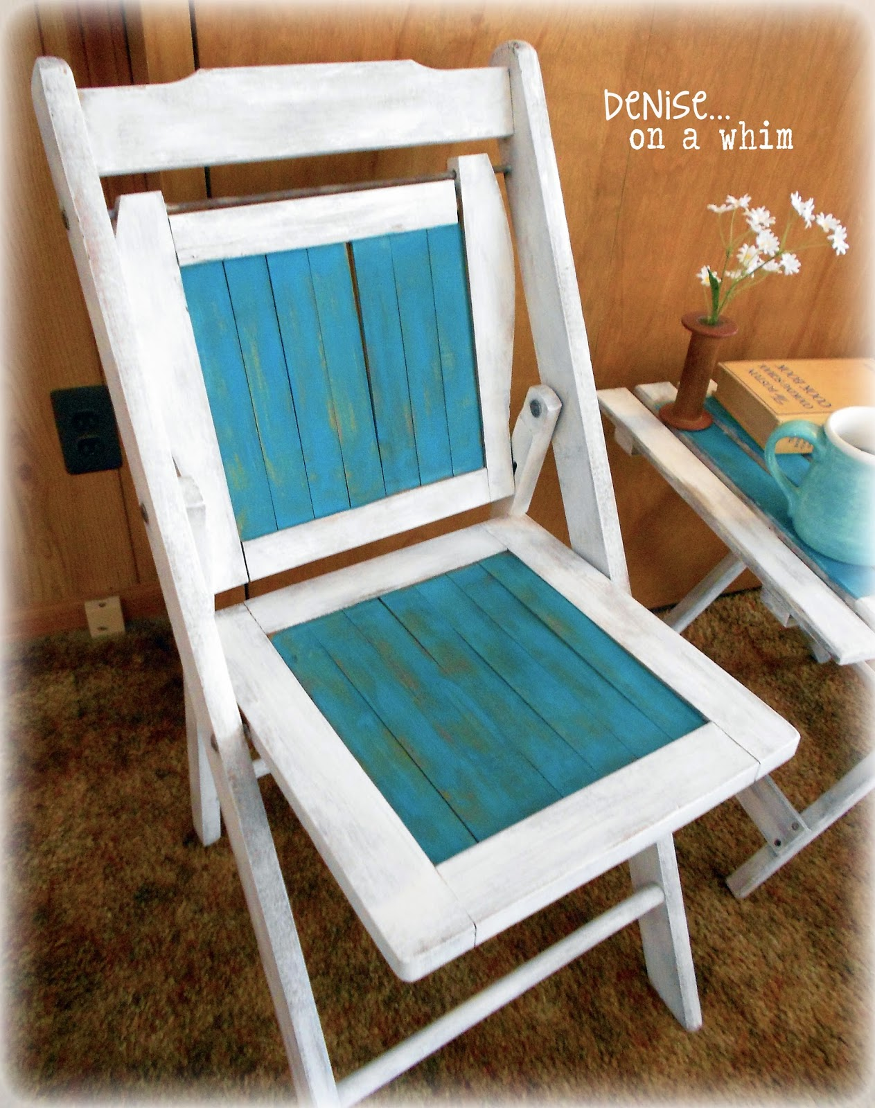 Vintage wooden folding chair via http://deniseonawhim.blogspot.com