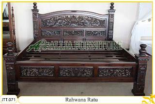 Tempat tidur ukiran Jepara kayu jati Rahwana Ratu