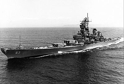 アメリカ海軍 戦艦ミズーリ その時、約1,400m離れた地点にいた米輸... 戦後66年終戦の日