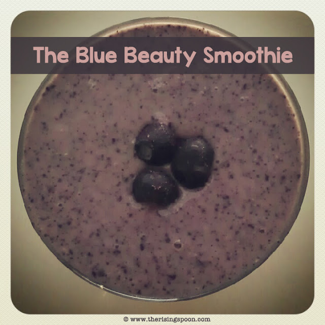 Blueberry Protein, Probiotic & Fiber Smoothie | www.therisingspoon.com