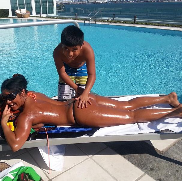 Maripily causa controversia por foto con su hijo