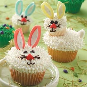 Cupcake com coelho da páscoa