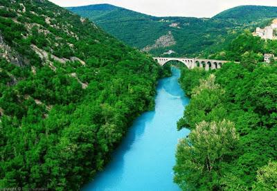 صور لنهر الزمرد اجمل نهر فى العالم