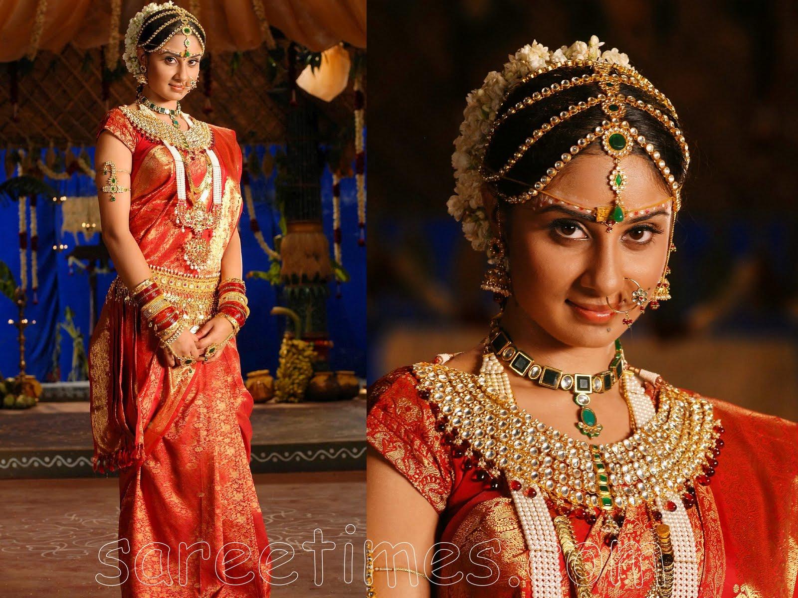 http://3.bp.blogspot.com/-UVgm-89dE5o/TsEwGG4nuyI/AAAAAAAAATY/9OuoF7KofEE/s1600/indian+bridal+wearrg.jpg