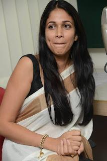 Actress Lavanya Tripathi Pictures in Saree at Radio Mirchi 25287)