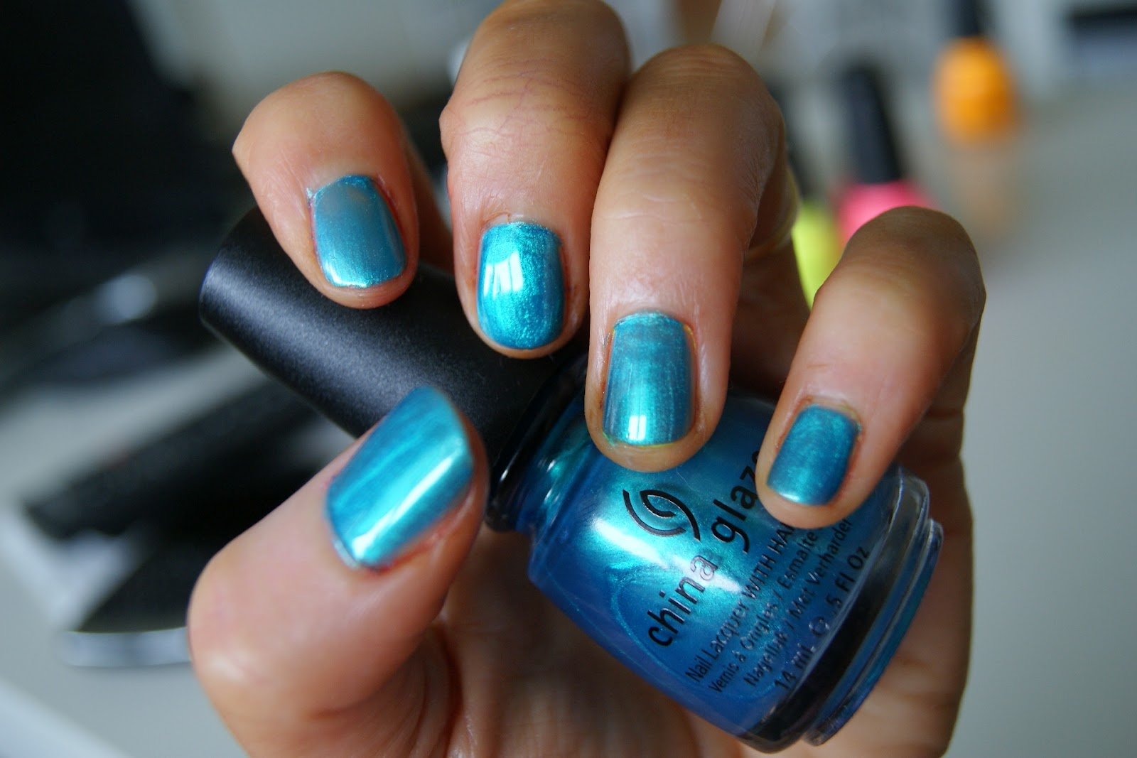 Fashion Styles Blog: Blue nails - Beauty and the beach