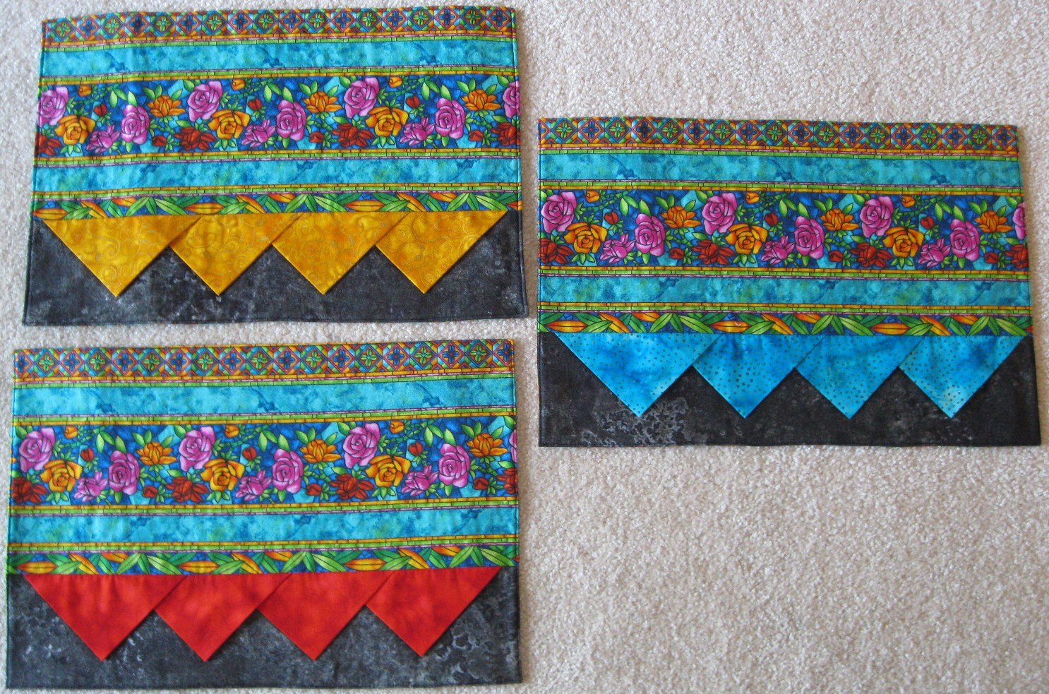 Keizer Quilts: Border Print Placemat with Prairie Point Embellishments!