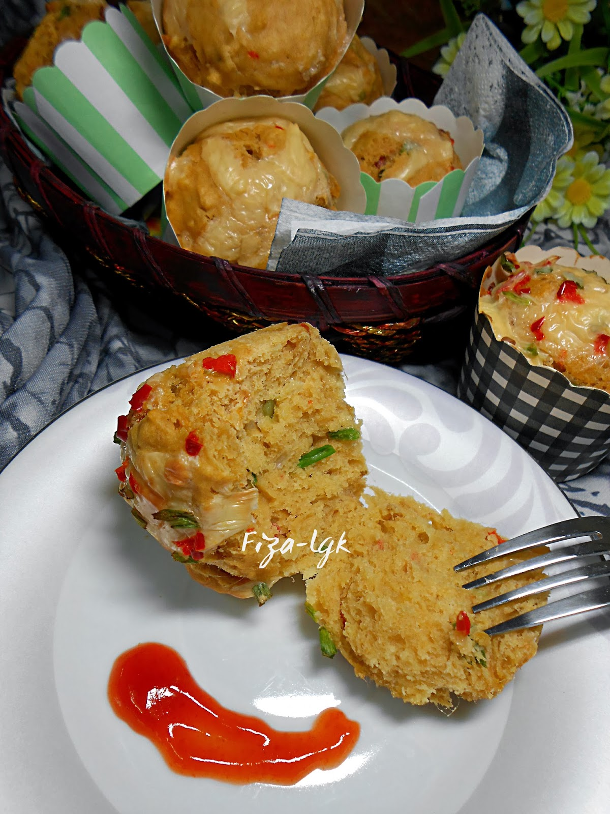 TUNA SAVOURY MUFFIN