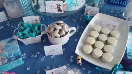 imagen_frozen_cumpleaños_casa_niña_azul_hielo_organizar_burgos_bilbao_tarta_olaf_mesa_dulces