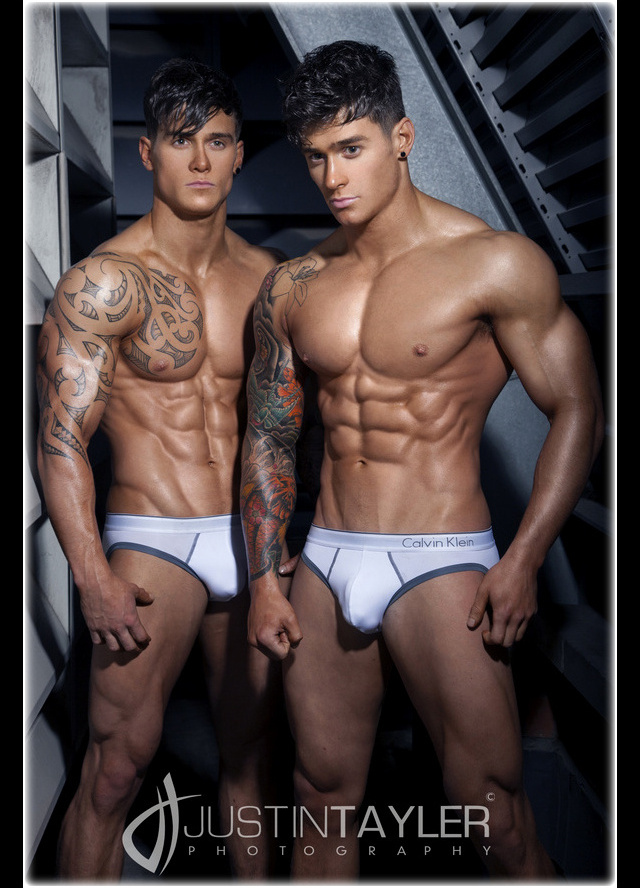 Harrison Twins Models http://gorgeousmalemodelsandactors.blogspot.com/2012/04/owen-and-lewis-harrison-harrison-twins.html