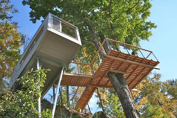 Artopiatecture tree houses built to order for Houses built in trees