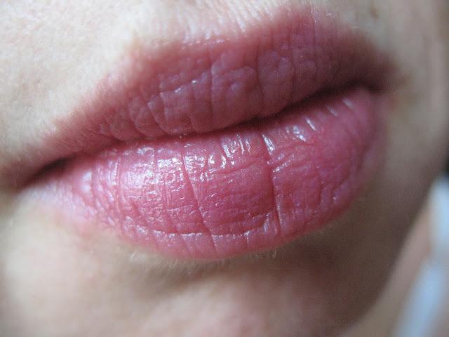 Revlon Just Bitten Kissable Balm Stain in #10 Darling Cherie
