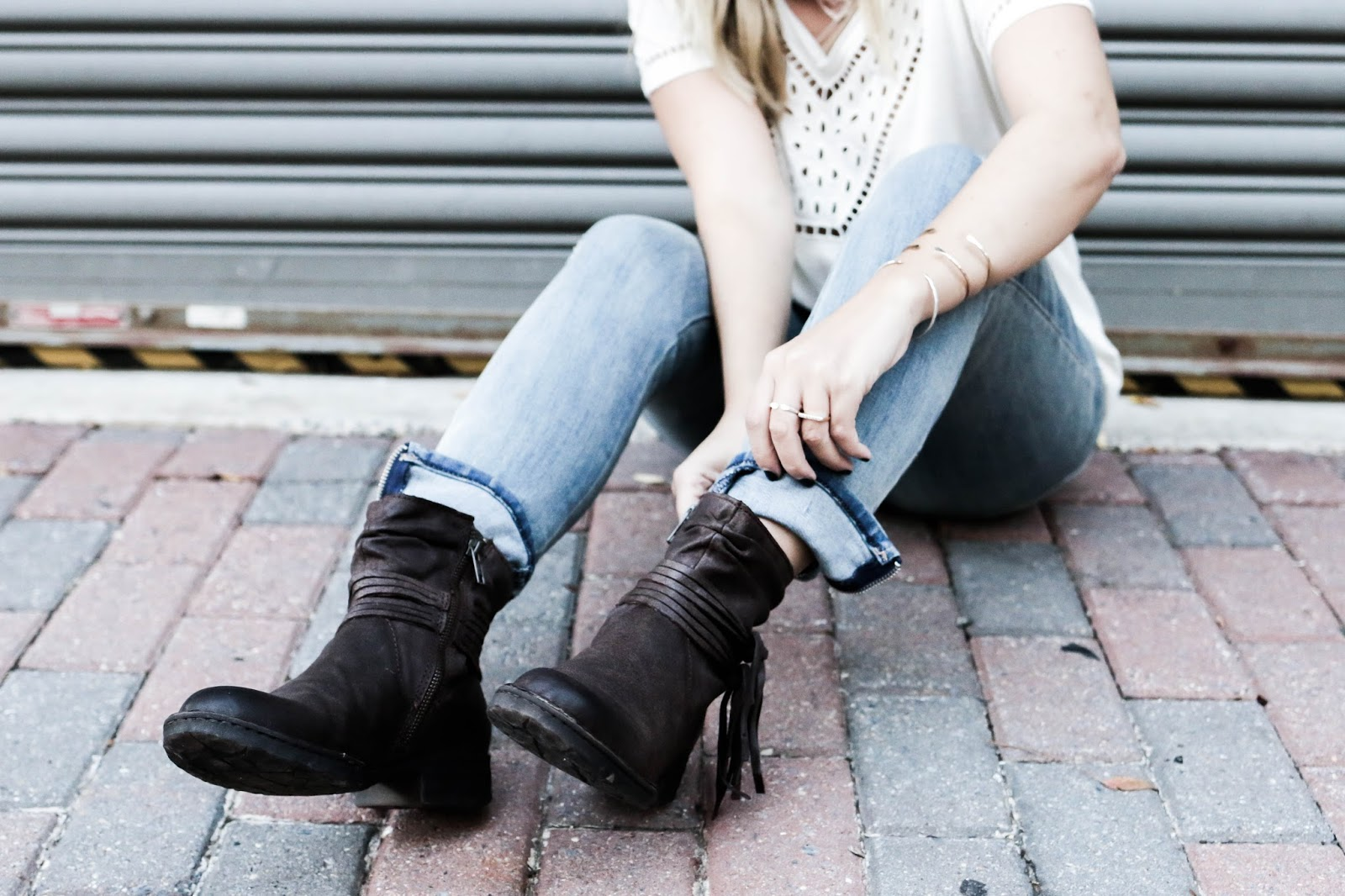 comfort, comfortable boots, born, dillards, style, jeans, outfit, blogger, dc, fall