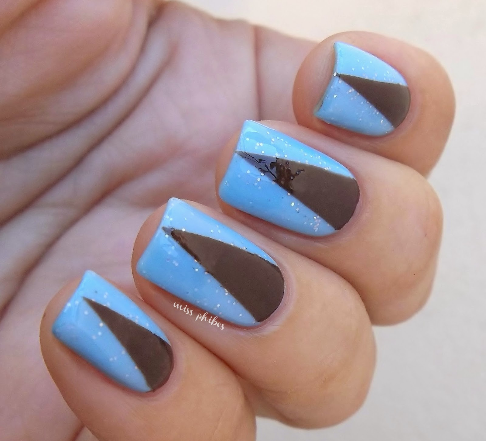Stripping tape nail art