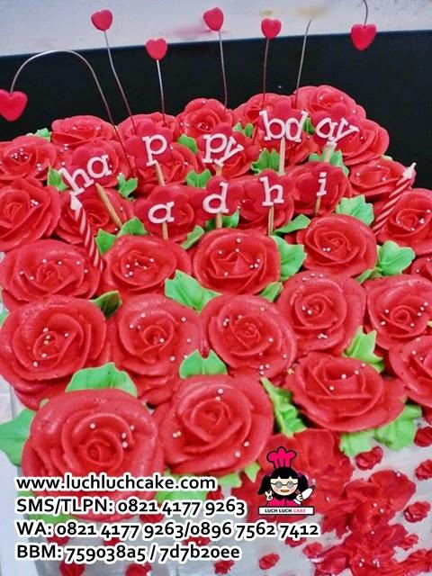 kue tart anniversary romantis