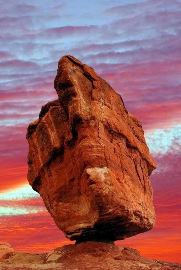 Earth Love What A Balance Balanced Rock In The Garden Of The Gods Colorado Springs Colorado