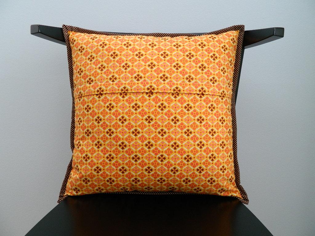 installing zipper closure in a pillow cover tutorial & s.o.t.a.k handmade: installing zipper closure in a pillow cover ... pillowsntoast.com
