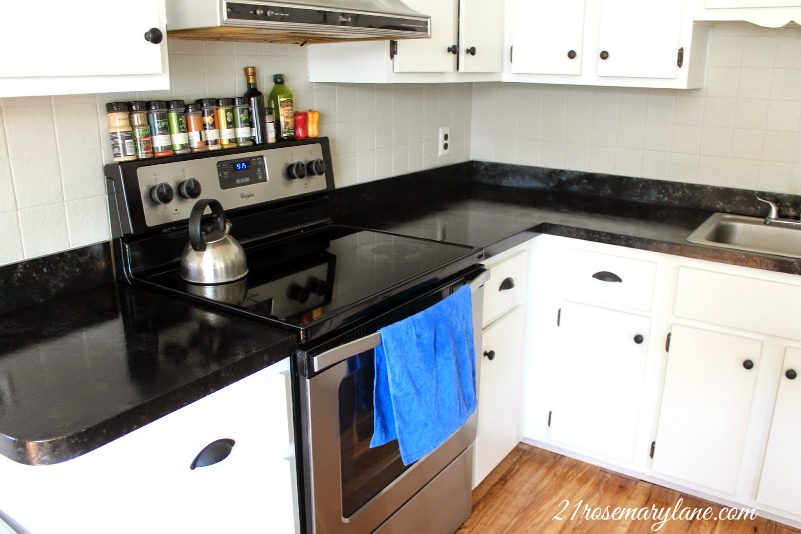 ... : Transformation of a 1970s Formica Countertop into a Granite Beauty